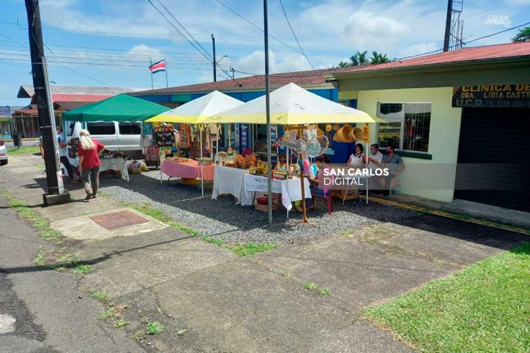 30 artesanos de Río Cuarto abren «Mercadito» para sobrevivir a la crisis